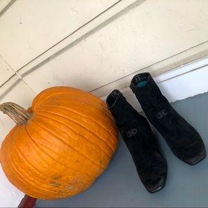 Salvatore Ferragamo BLK Suede Ankle High Boots